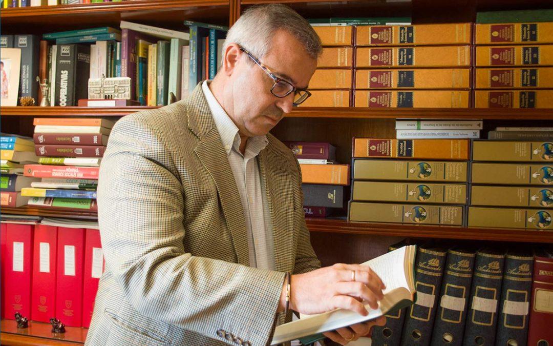 Veinticinco años inscrito en el Colegio de Economistas de Sevilla